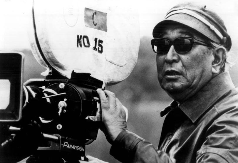 Akira Kurosawa står bakom filmkameran