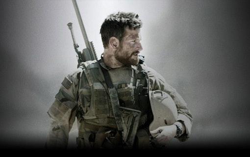 Bradley Cooper i American Sniper.