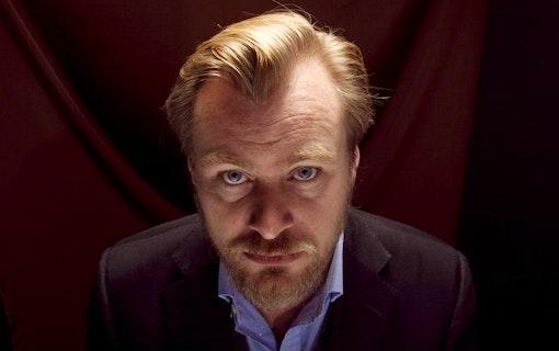 Nolan tar ställning i Screening room debatten