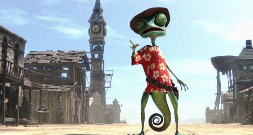 Kameleonten Rango i en klassisk westernstad i filmen med samma namn.