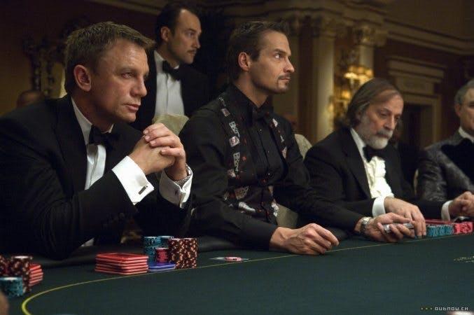 Daniel Craig vid pokerbordet i Casino Royale