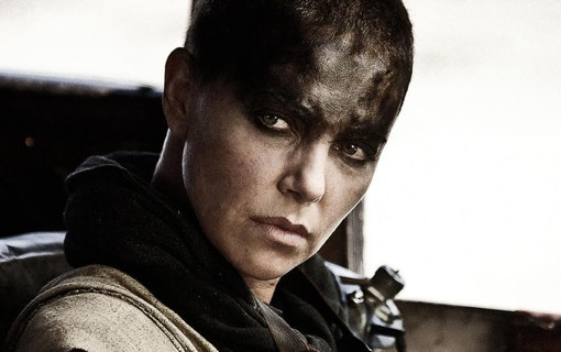 Charlize Theron snackar Mad Max-prequel