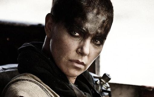 Charlize Theron snackar Mad Max-prequel