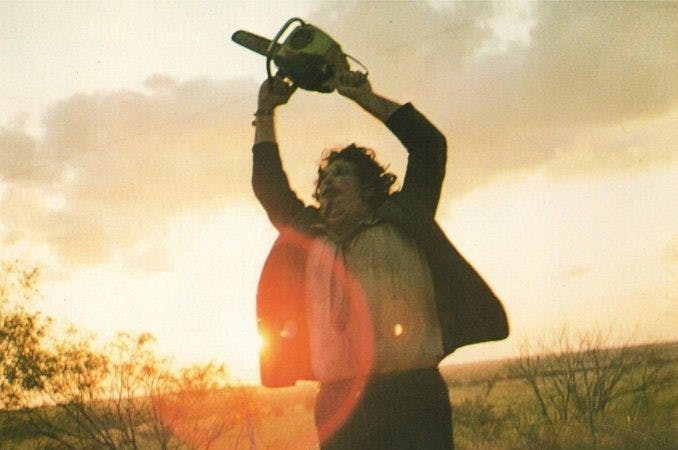 Bild på Leatherface i The Texas Chain Saw Massacre.