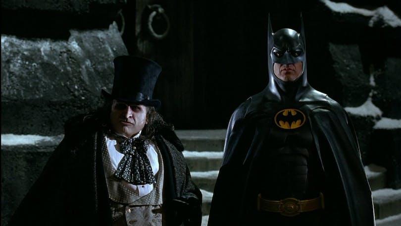 Bild på Danny De Vito och Michael Keaton i Batman Returns.