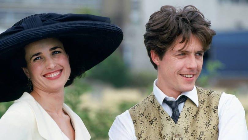 Andie MacDowell och Hugh Grant i Fyra bröllop och en begraving.