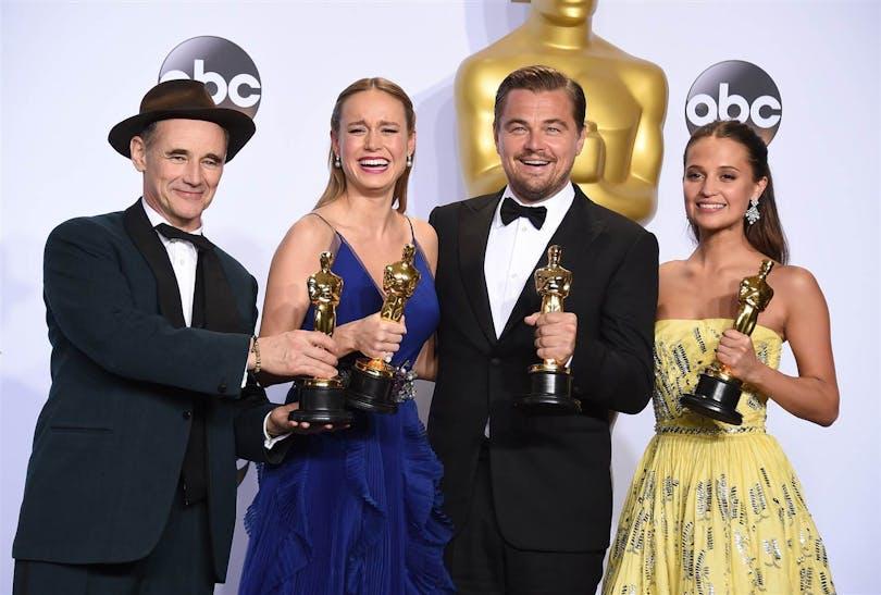 Vinnarna inom skådespelar-grenen 2016. Mark Rylance, Brie Larson, Leonardo DiCaprio och Alicia Vikander.