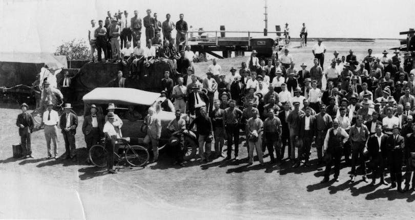 StateLibQld_1_123043_Possibly_a_waterside_workers'_strike_in_Mackay,_1920-1930