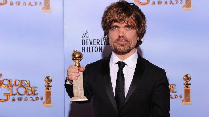 Peter Dinklage mottager en Golden Globe för sin roll som Tyrion Lannister i Game of Thrones.