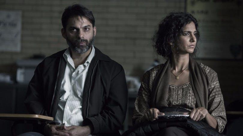 Peyman Moaadi as Salim Kahn and Poorna Jagannathan as Safar Kahn in The Night Of. Credit: HBO.