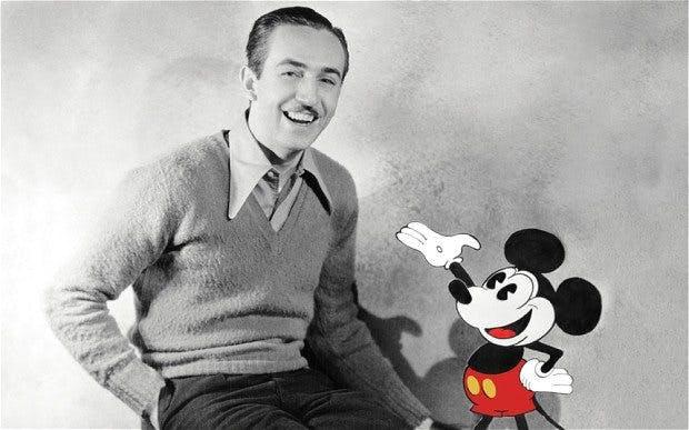 Walt Disney och en av sina mest kända figurer, Musse Pigg.