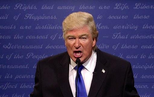 Alec Baldwin drev med Donald Trump igen