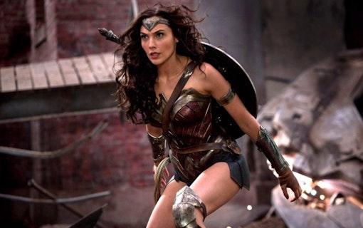 Gal Gadot tänker bara spela Wonder Woman igen om Brett Ratner utesluts