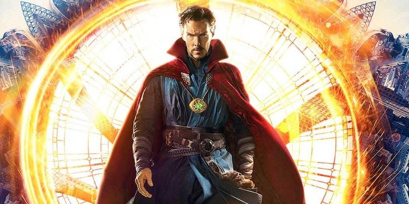 "Benedict Cumberbatch poserar som ""Doctor Strange""."