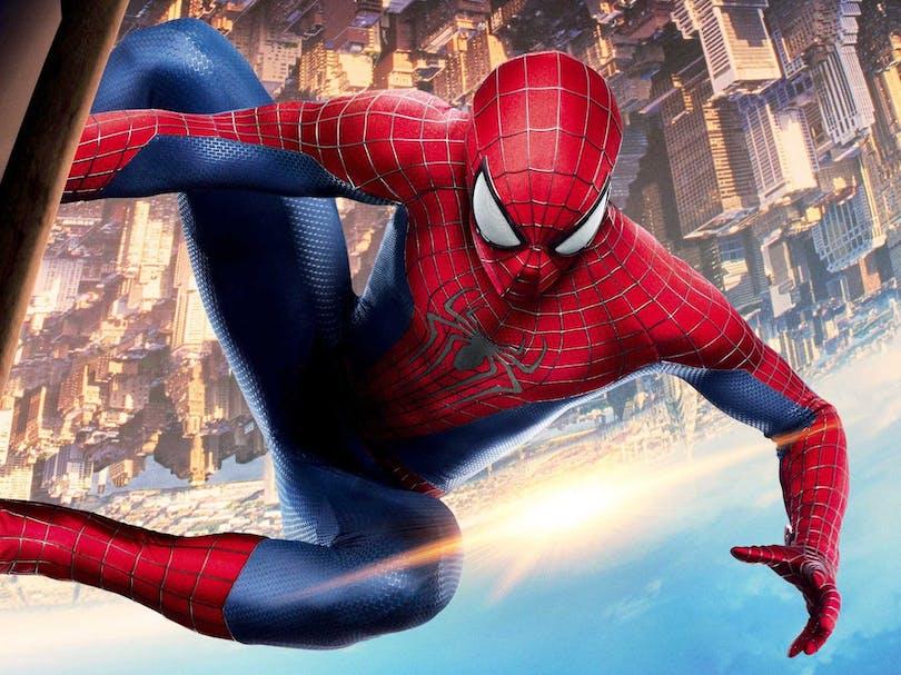 Spider-Man högt upp i luften