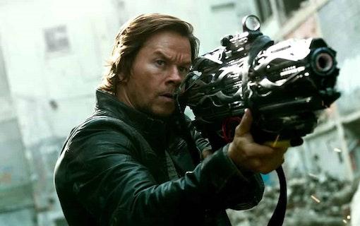 Mark Wahlberg gör Uncharted med Tom Holland