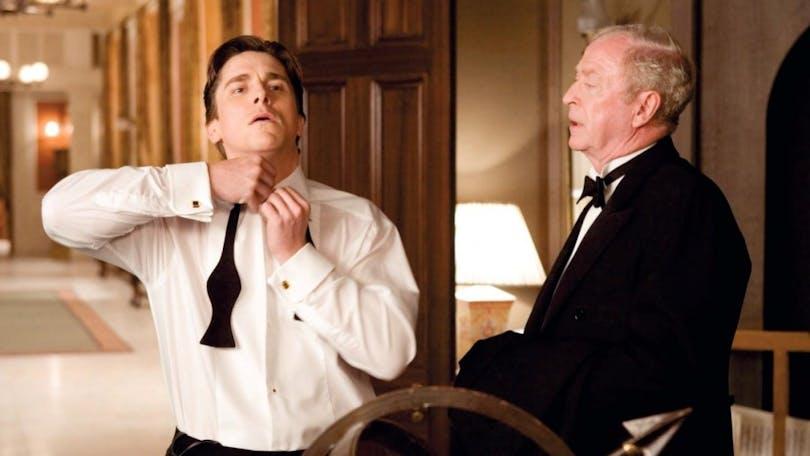 Bild på Christian Bale och Michael Caine i Batman Begins.