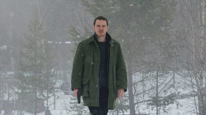 "Bild på Michael Fassbender i ""The Snowman""."