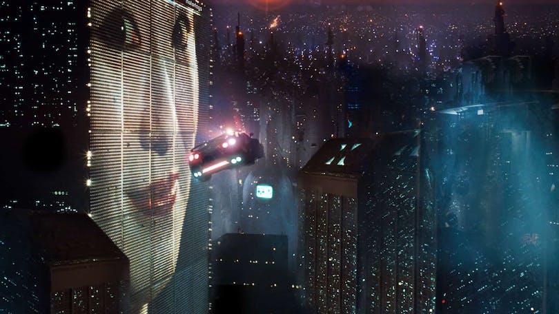 Bild på framtidsvärlden i filmen Blade Runner.