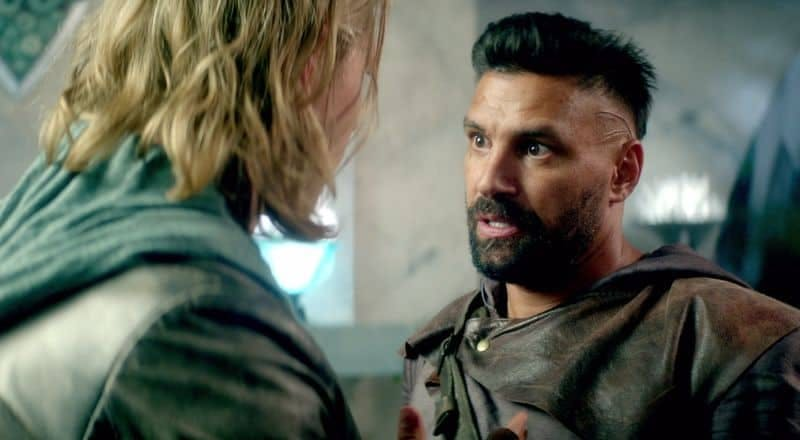 Manu Bennet som Allanon i The Shannara Chronicles