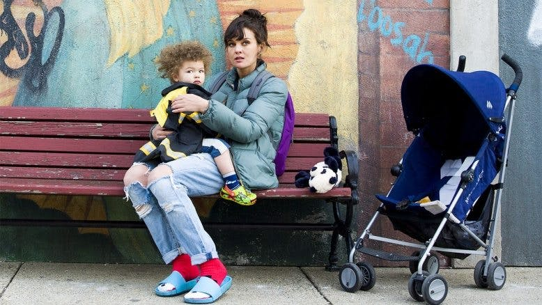 Mini-recension: SMILF – avsnitt 1
