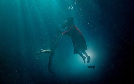 Bilder från Guillermo del Toros nya film, The Shape of Water