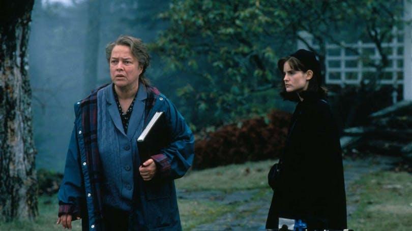 Kathy Bates och Jennifer Jason Leigh i Stephen King-filmen Dolores Claiborne.