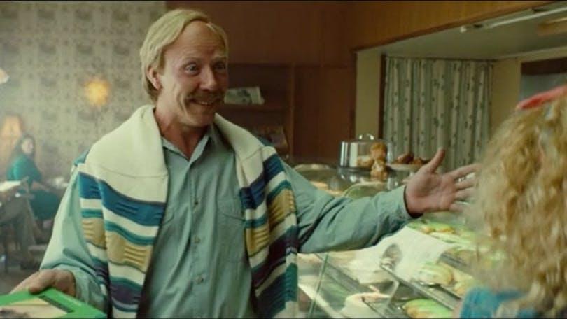 Mikael Persbrandt i den kommande svenska filmen Tårtgeneralen.