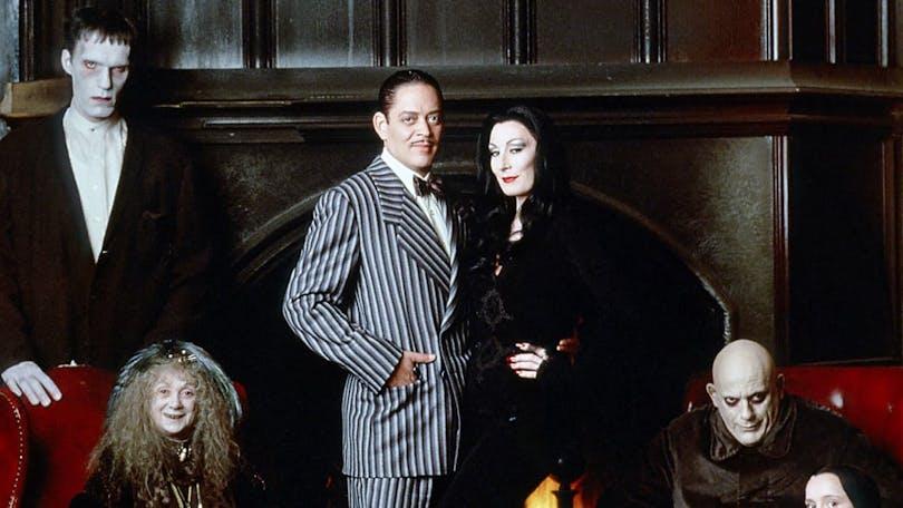 En bild på Addams familjen Luch, Gomez, Morticia och Uncle Fester