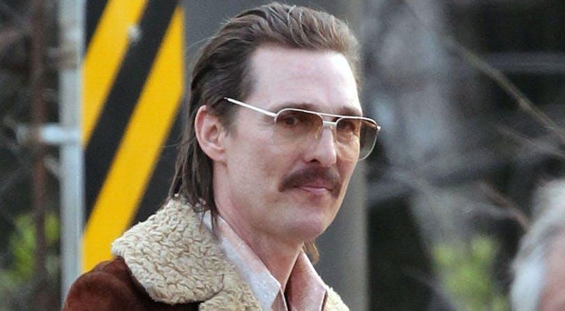 En bild på Matthew McConaughey som bär glasögon.
