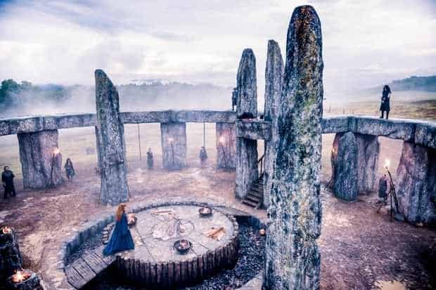 Publicitetsbild med tema druidrna från serien Britannia
