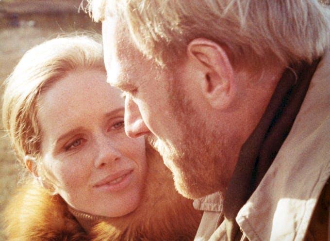 Liv Ullmann och Max von Sydow i En Passion av Ingmar Bergman.