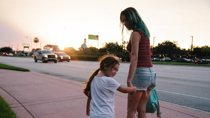 Brooklynn Prince och Bria Vinaite i The Florida Project.