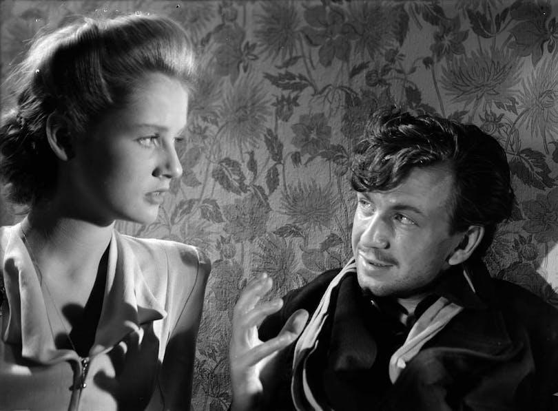 Stillbild ur Kris. Den första av alla Bergmanfilmer.