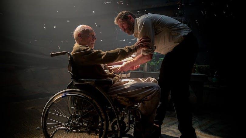 Hugh Jackman och Patrick Stewart i Logan, som är nominerad för en Oscar för bästa manus