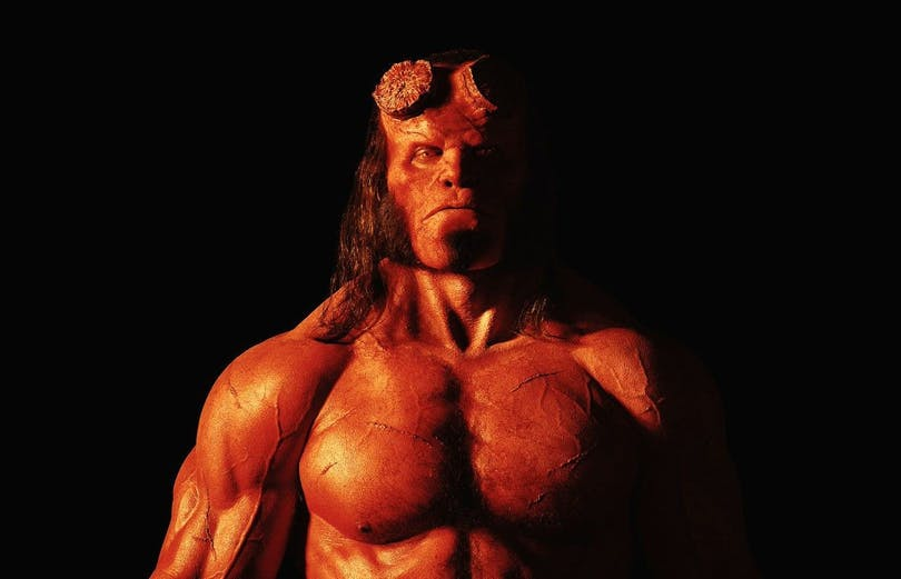 David Harbour som Hellboy.