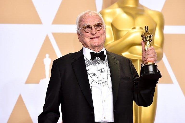 James Ivory vann en Oscar för bästa manus baserat på förlaga