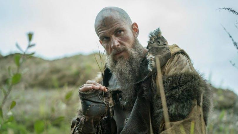 Gustaf Skarsgård här i TV-serien Vikings spelar en av huvudrollerna.