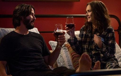 Rolig trailer till Winona Ryders och Keanu Reeves nya film