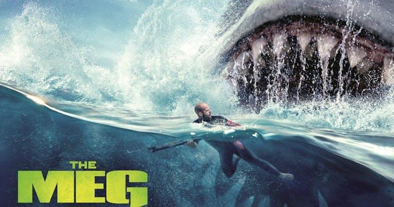 Poster med Jason Statham och hajen i The Meg