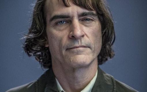 Första bilden på Arthur – Han som förvandlas till Jokern