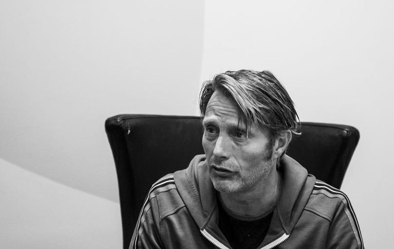 Mads Mikkelsen talking about nicking items from sets.