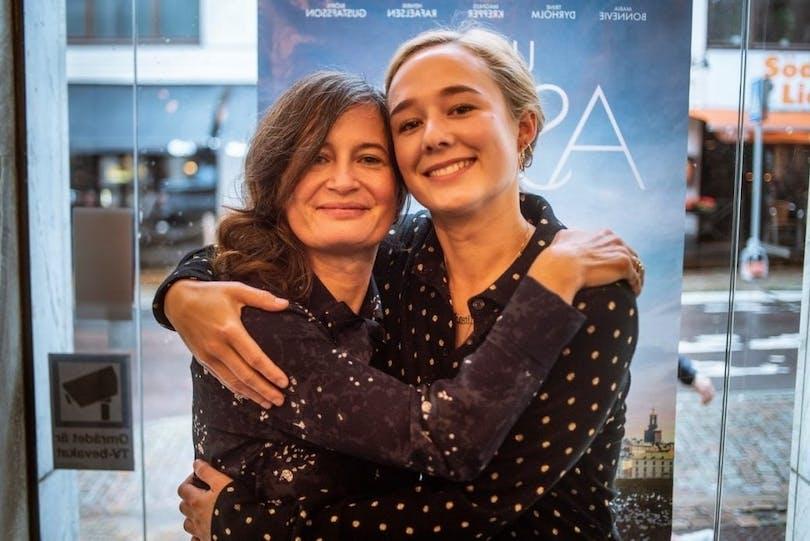 Regissören Pernille Fischer Christensen och skådespelerskan Alba August.
