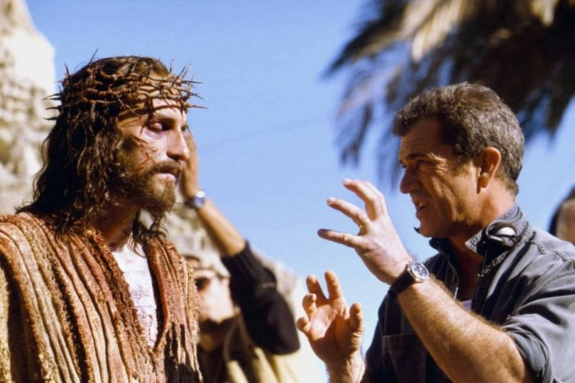 Jim Caviezel och Mel Gibson under inspelningen av Passion of the Christ.