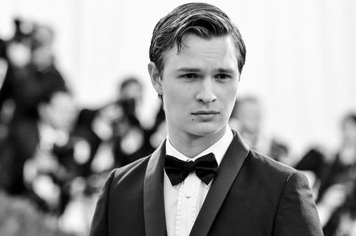 Ansel Elgort får roll i Great School Imposter