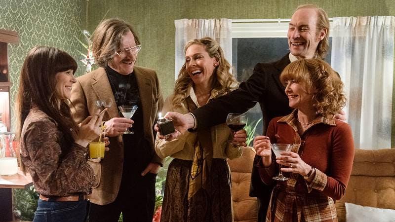 Eva Röse, Magus Krepper, Torkel Petersson, Rebecka Hemse och Anja Lundqvist i miniserien De dagar som blommorna blommar