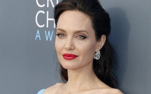 EXTRA: Angelina Jolie gör comeback i actiongenren