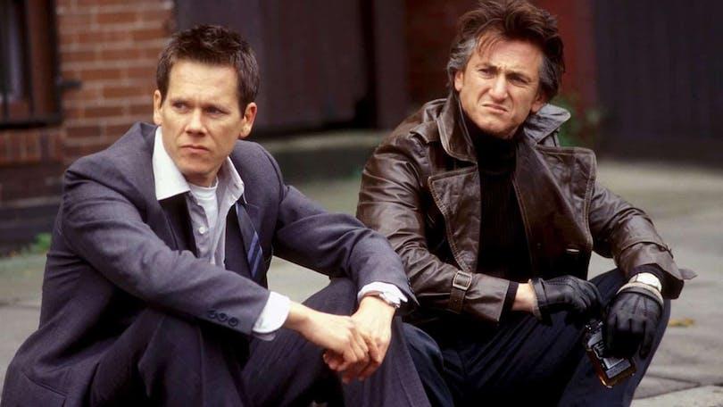 Kevin Bacon och Sean Penn i Mystic River, regisserad av Clint Eastwood.