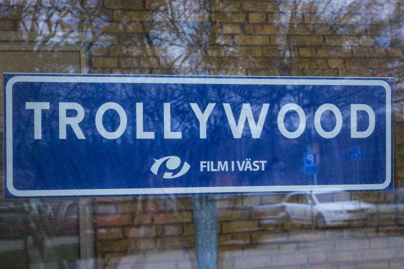 Trollywood-skylten.