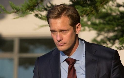 Se Alexander Skarsgårds förvandling i Showtime-serien